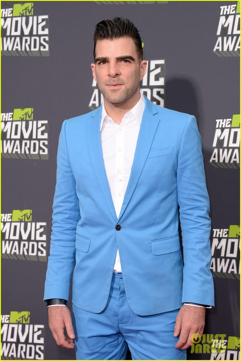 zachary quinto mtv movie awards 2013 red carpet 02