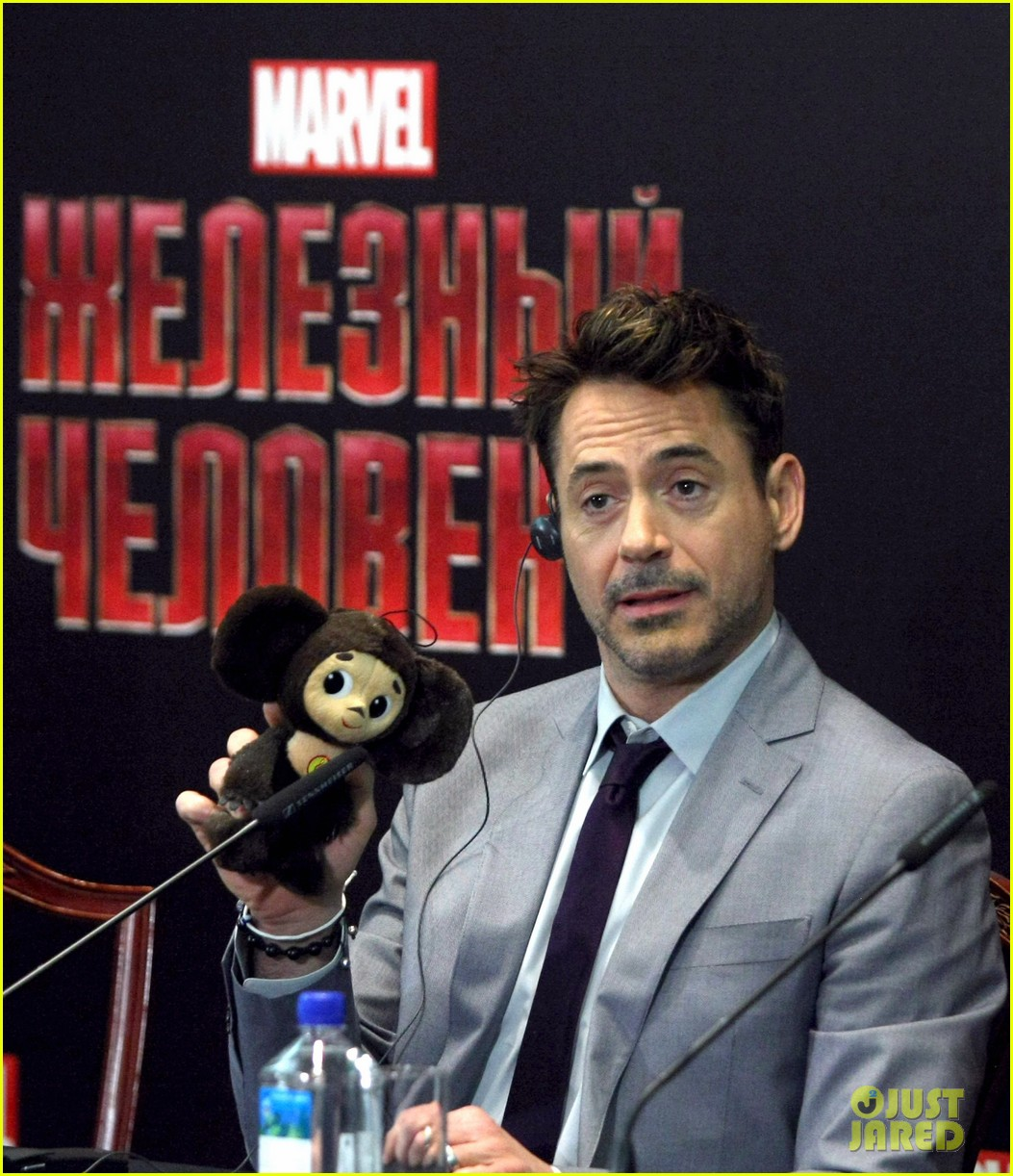 robert downey jr iron man 3 premiere press conference 15
