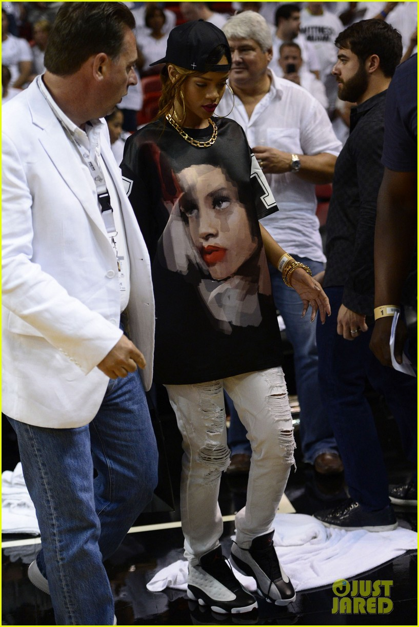 rihanna miami heat game night 01