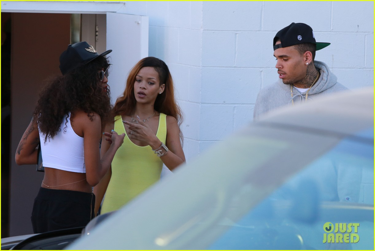 rihanna chris brown wild style shoppers 262847500
