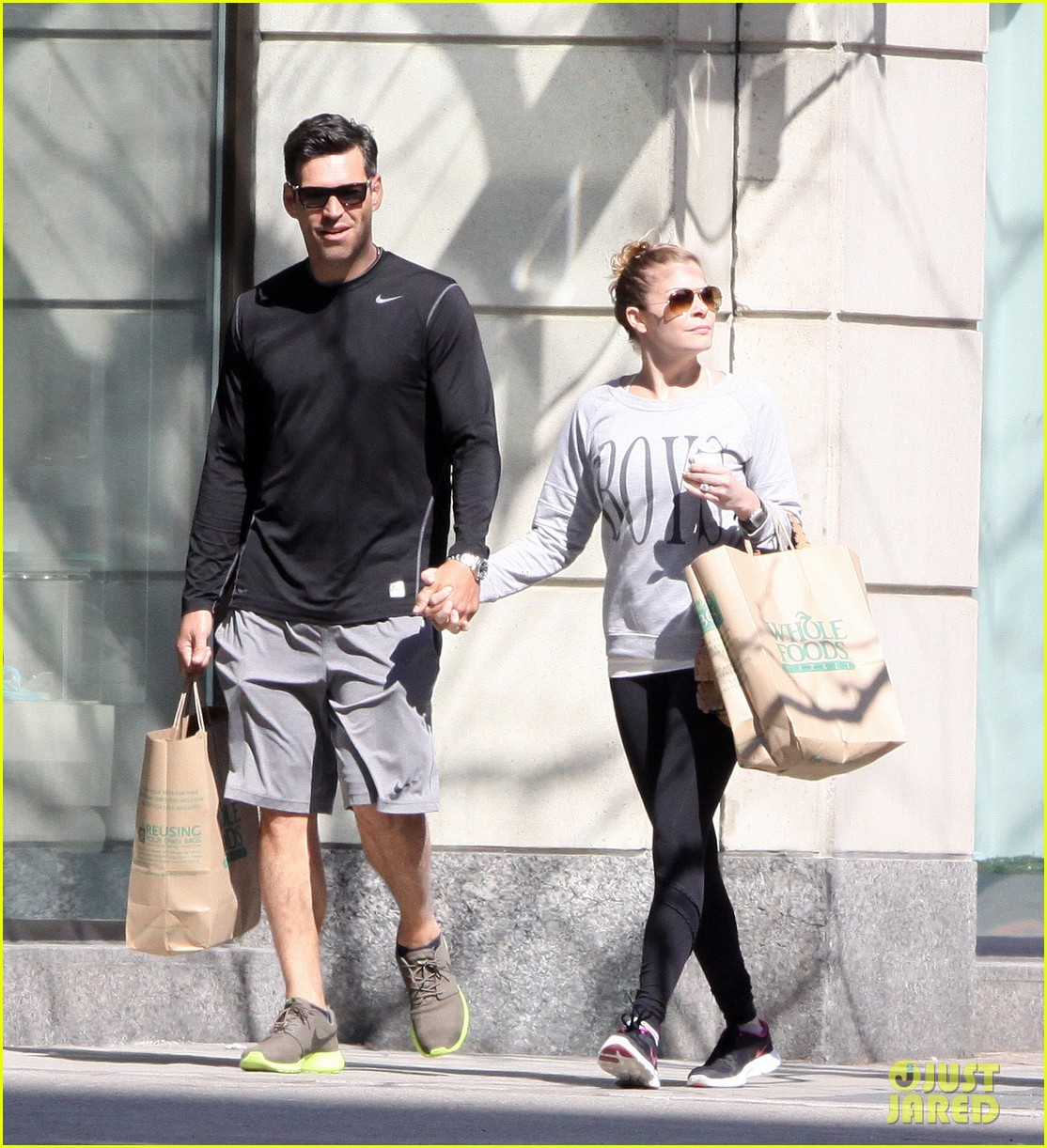 leann rimes eddie cibrian hold hands after shopping 10