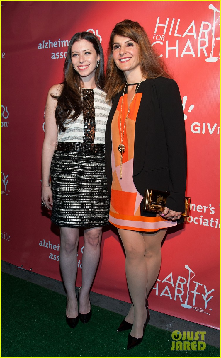 krysten ritter mindy kaling hilarity for charity event 082858560