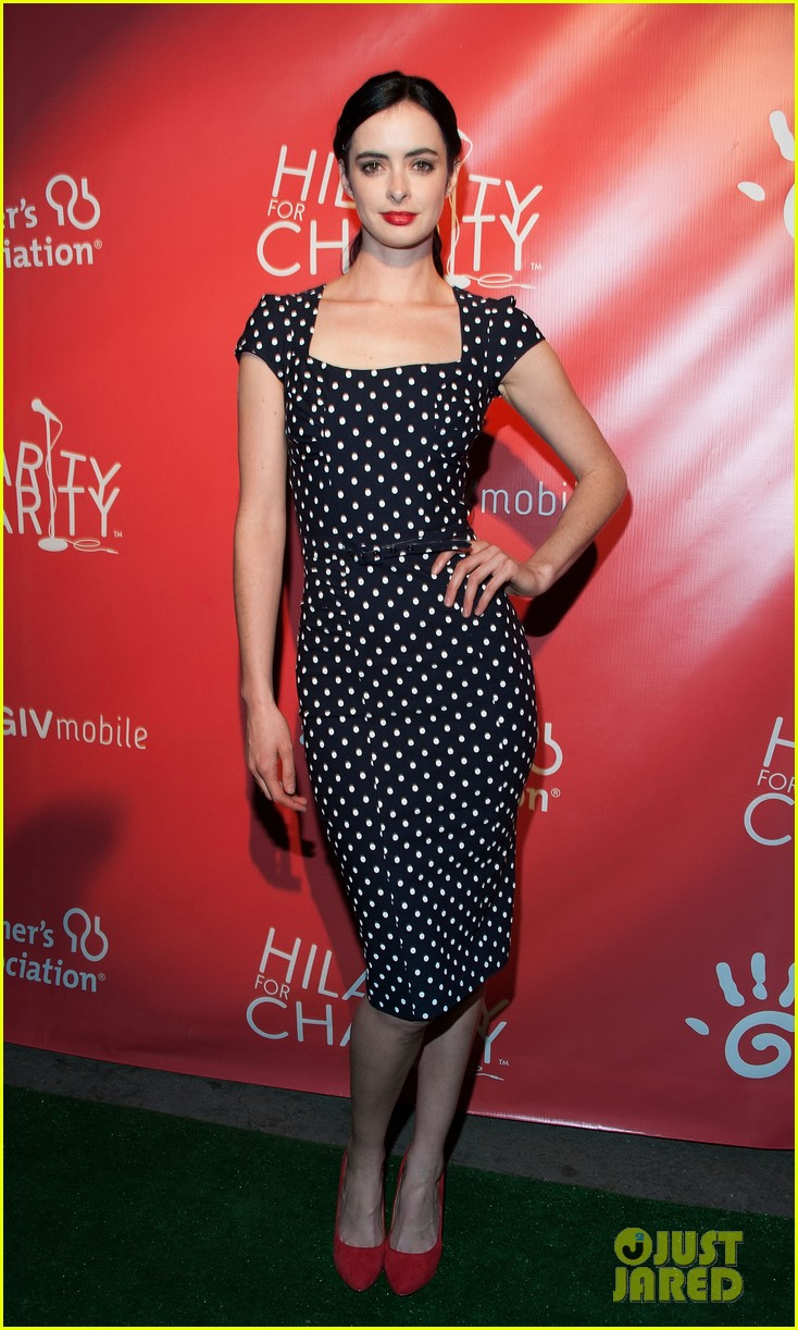 krysten ritter mindy kaling hilarity for charity event 10