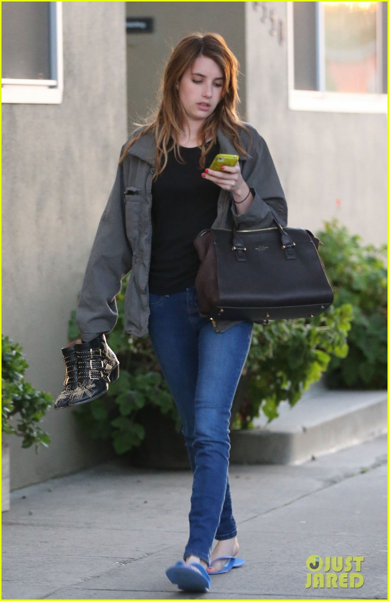 emma roberts cant wait for phoenix at coachella 012846994