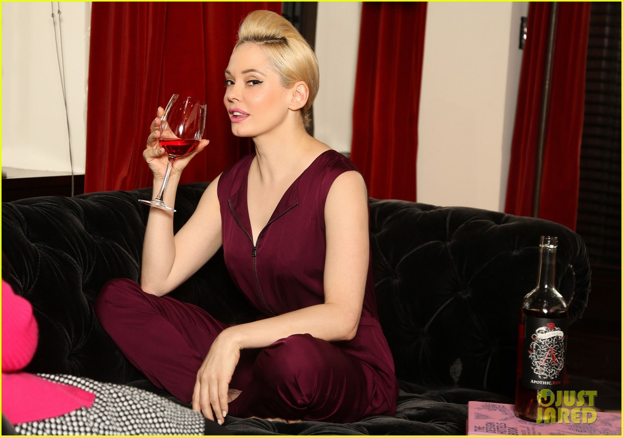 rose mcgowan apothic rose launch in nyc 08
