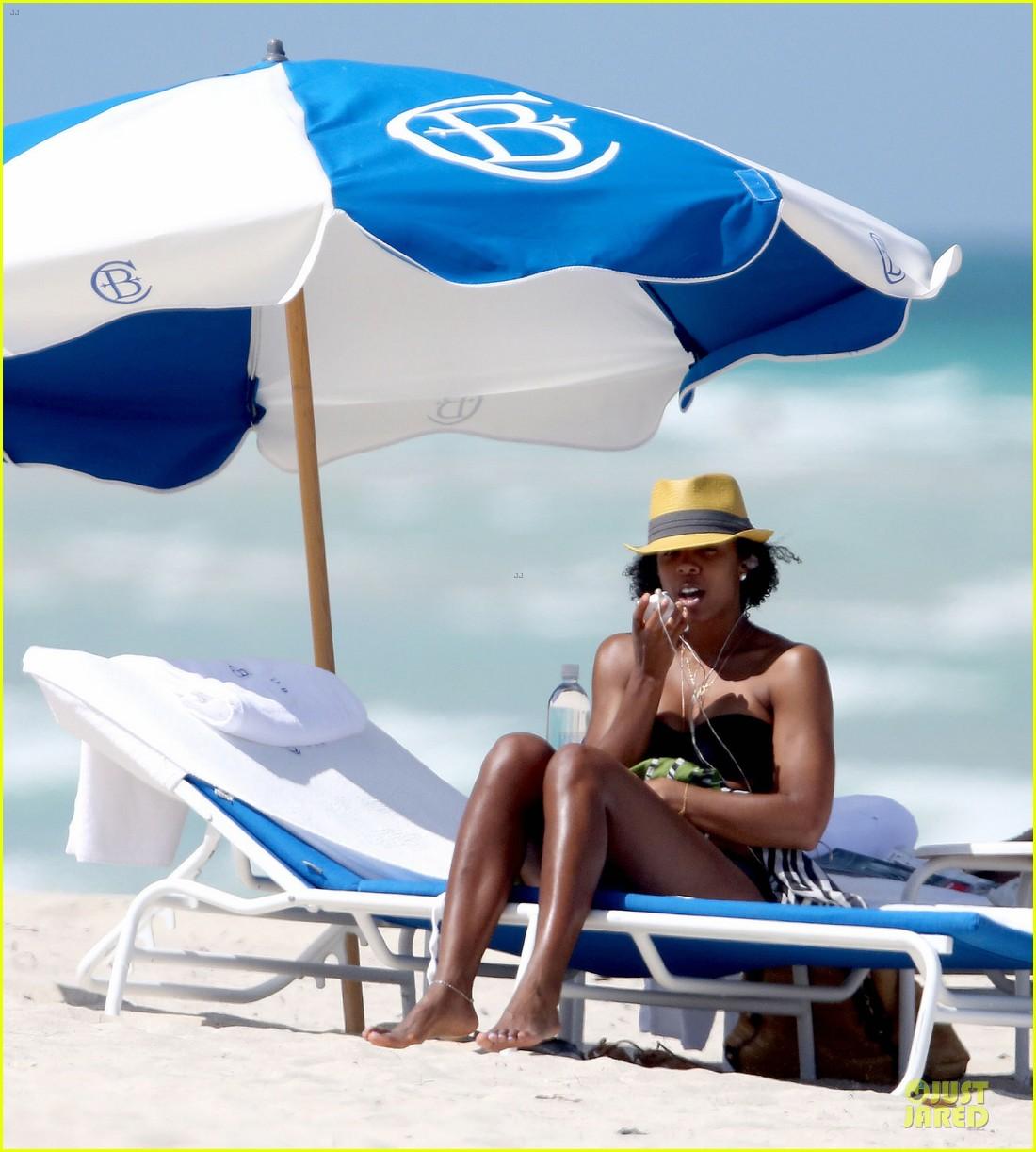 kelly rowland bikini beach calling babe 04