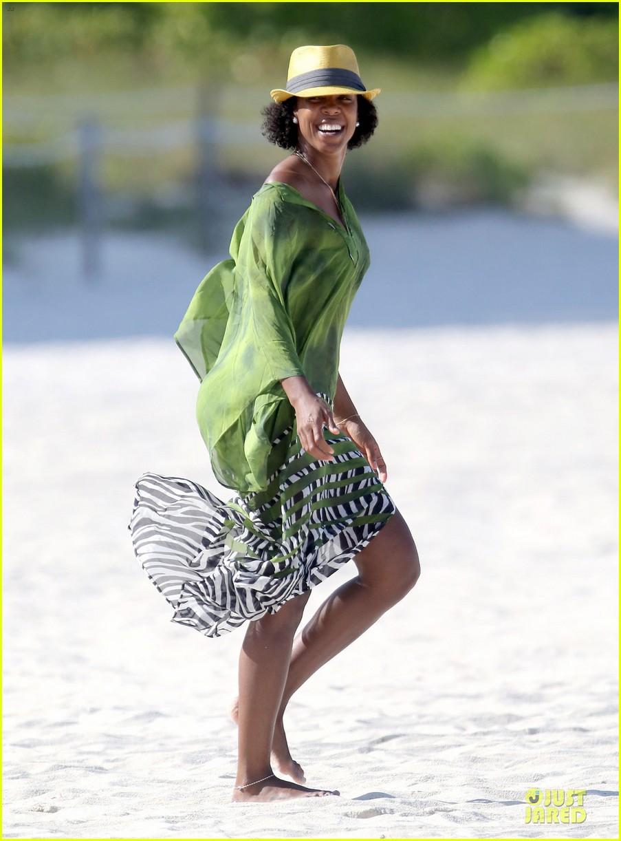 kelly rowland bikini beach calling babe 122861085