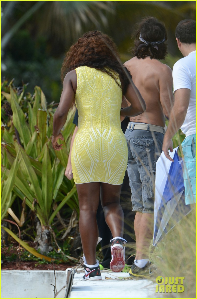 serena williams bikini beach photo shoot 37