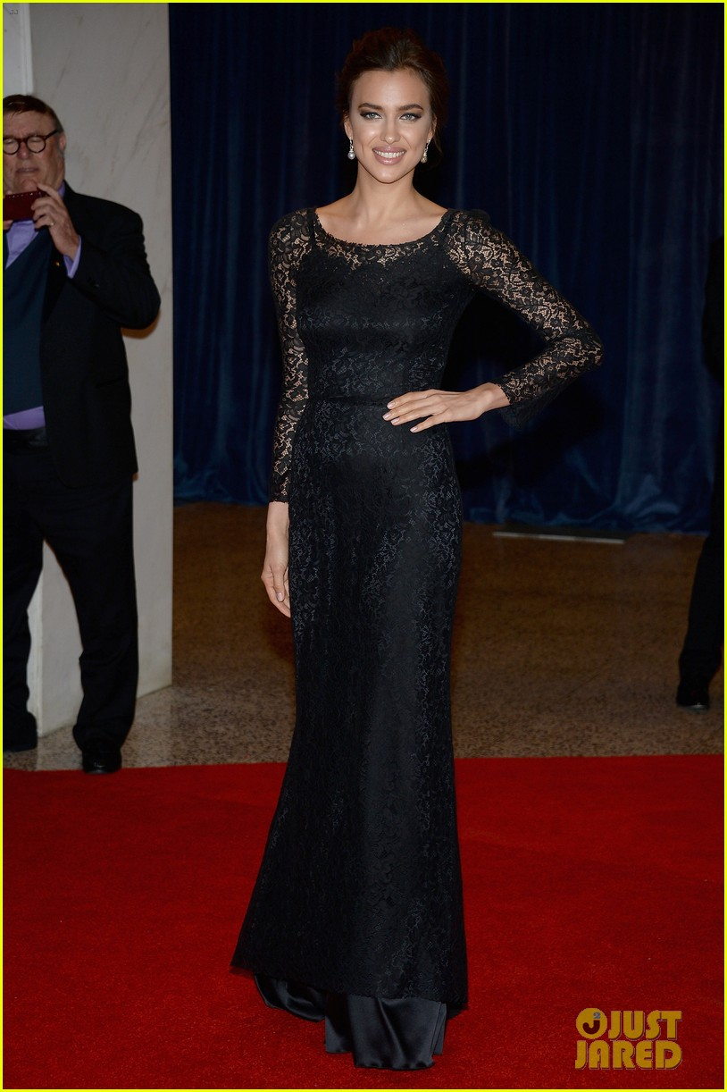 irina shayk white house correspondents dinner 2013 red carpet 012859481