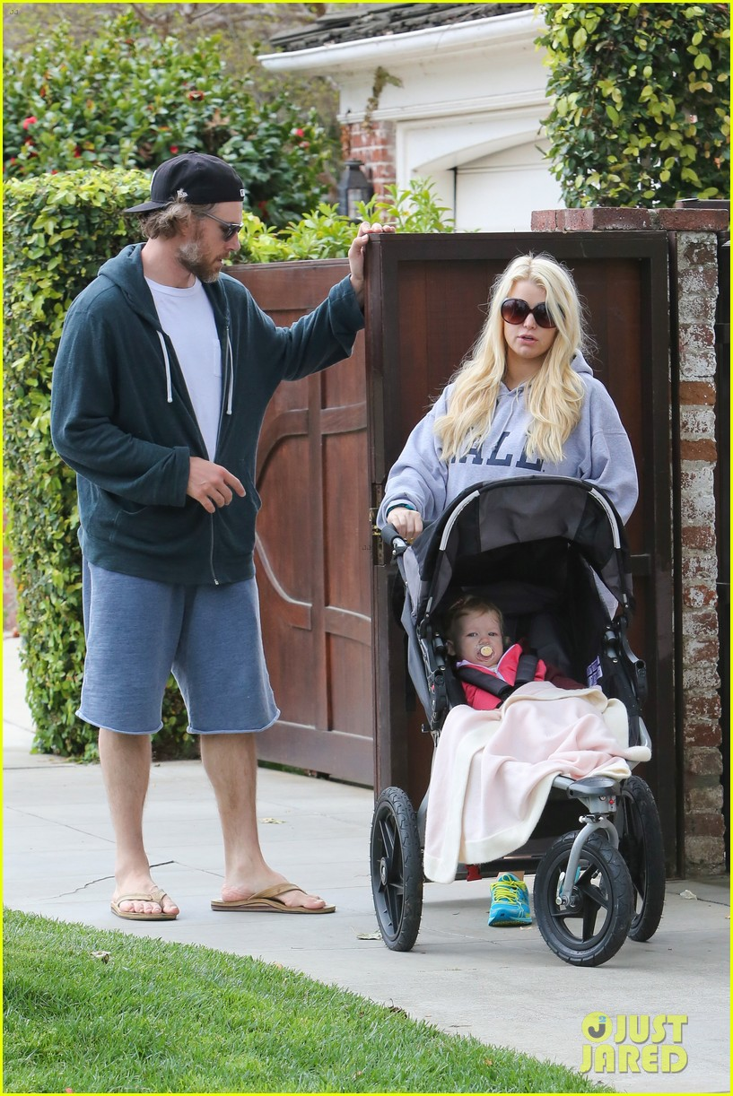 jessica simpson eric johnson eater outing with maxwell 132841230