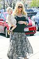 jessica simpson eric johnson king fish house lunch with maxwell 03
