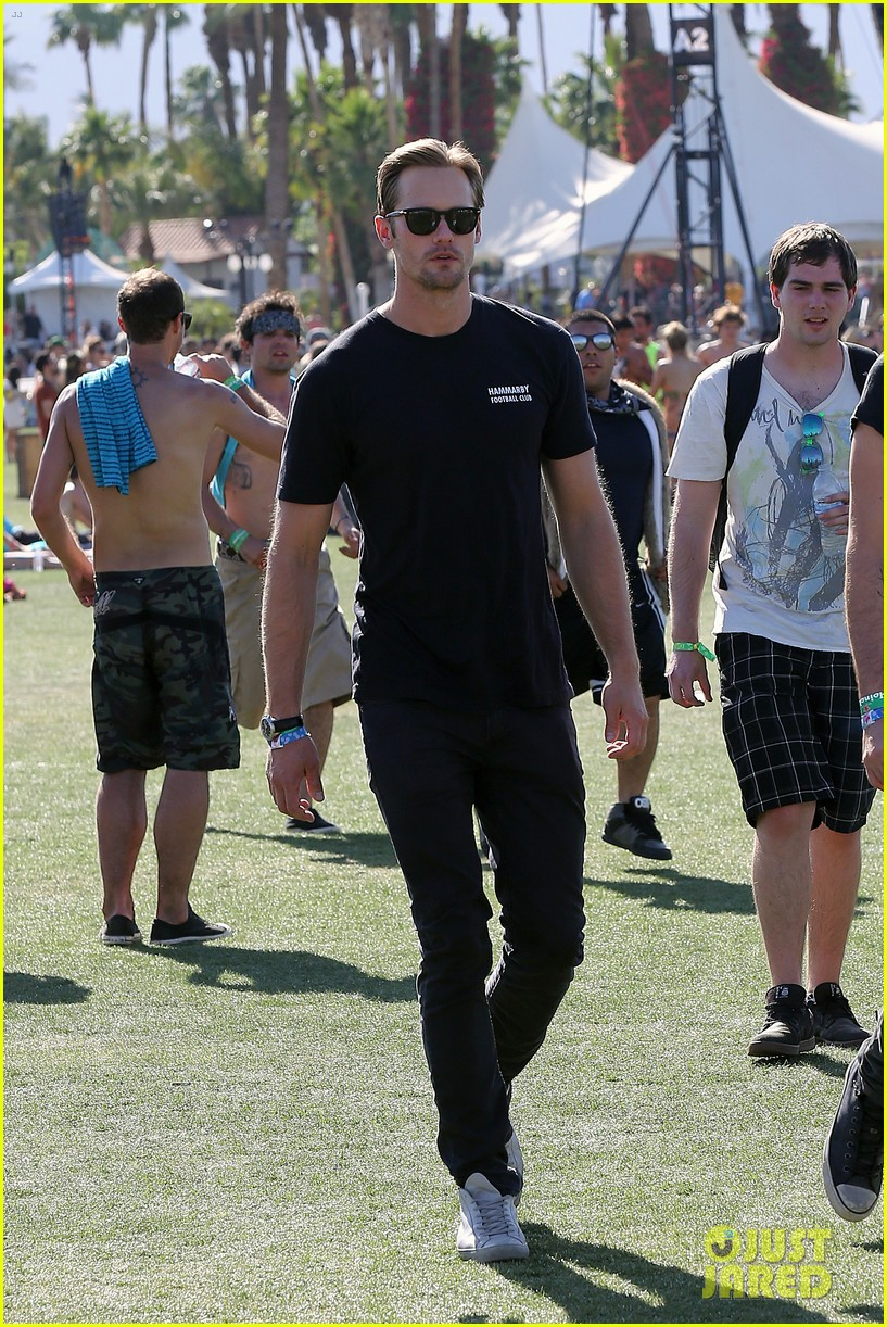 alexander skarsgard coachella with buddies keith fares 172849387
