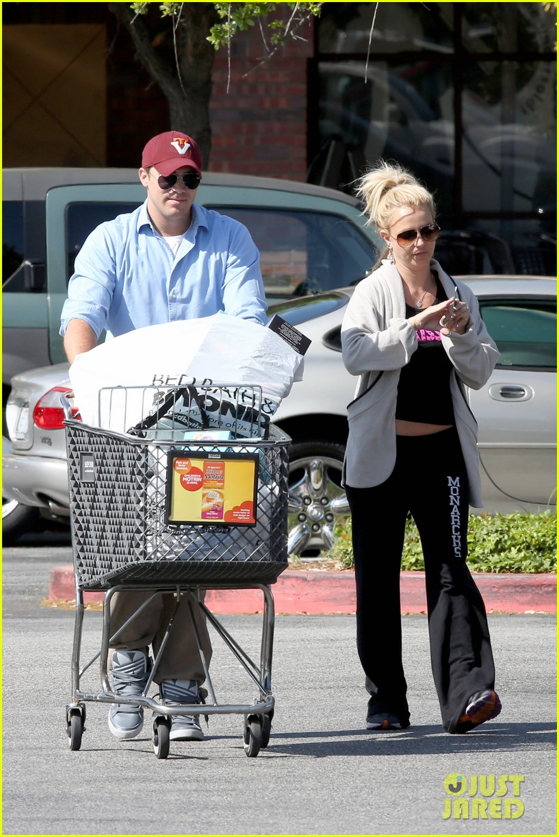 britney spears david lucado breakfast shopping duo 07