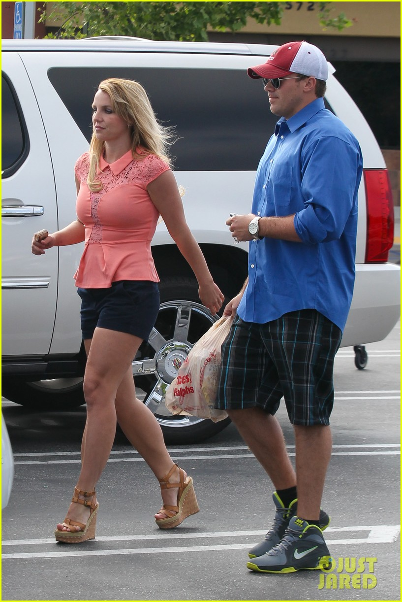 britney spears david lucado saturday ralphs run 08