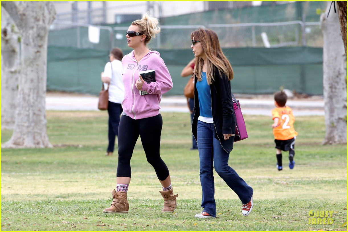 britney spears kevin federline boys sunday soccer game 152849860
