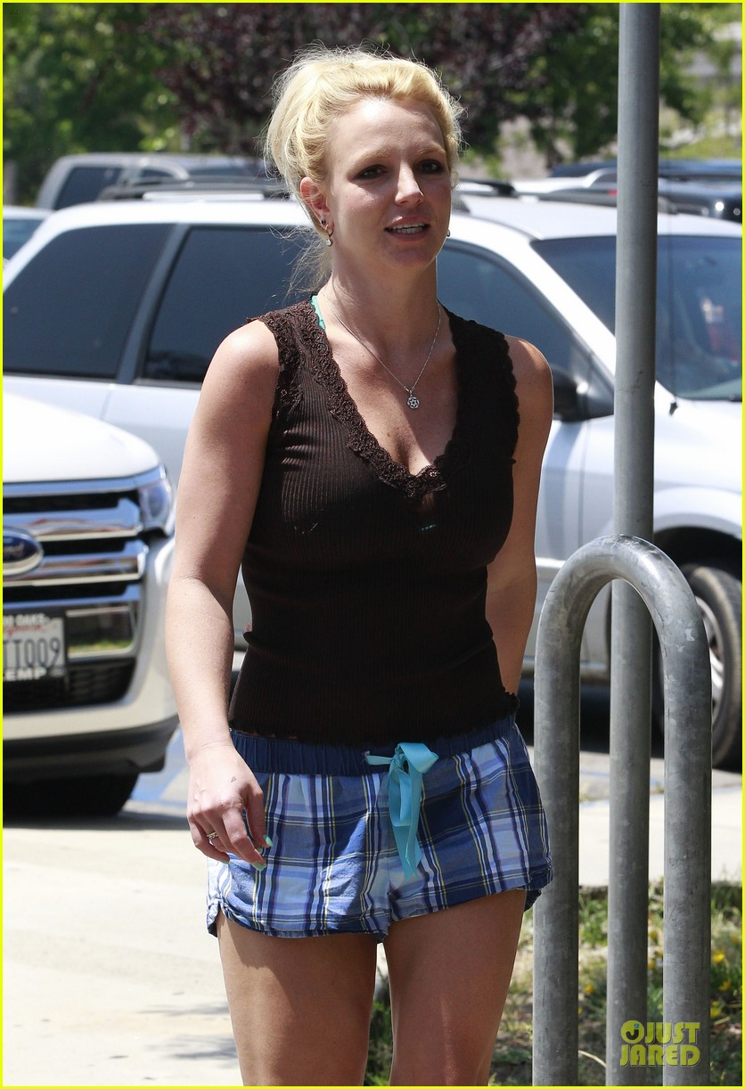 britney spears workout monday mama 142860836