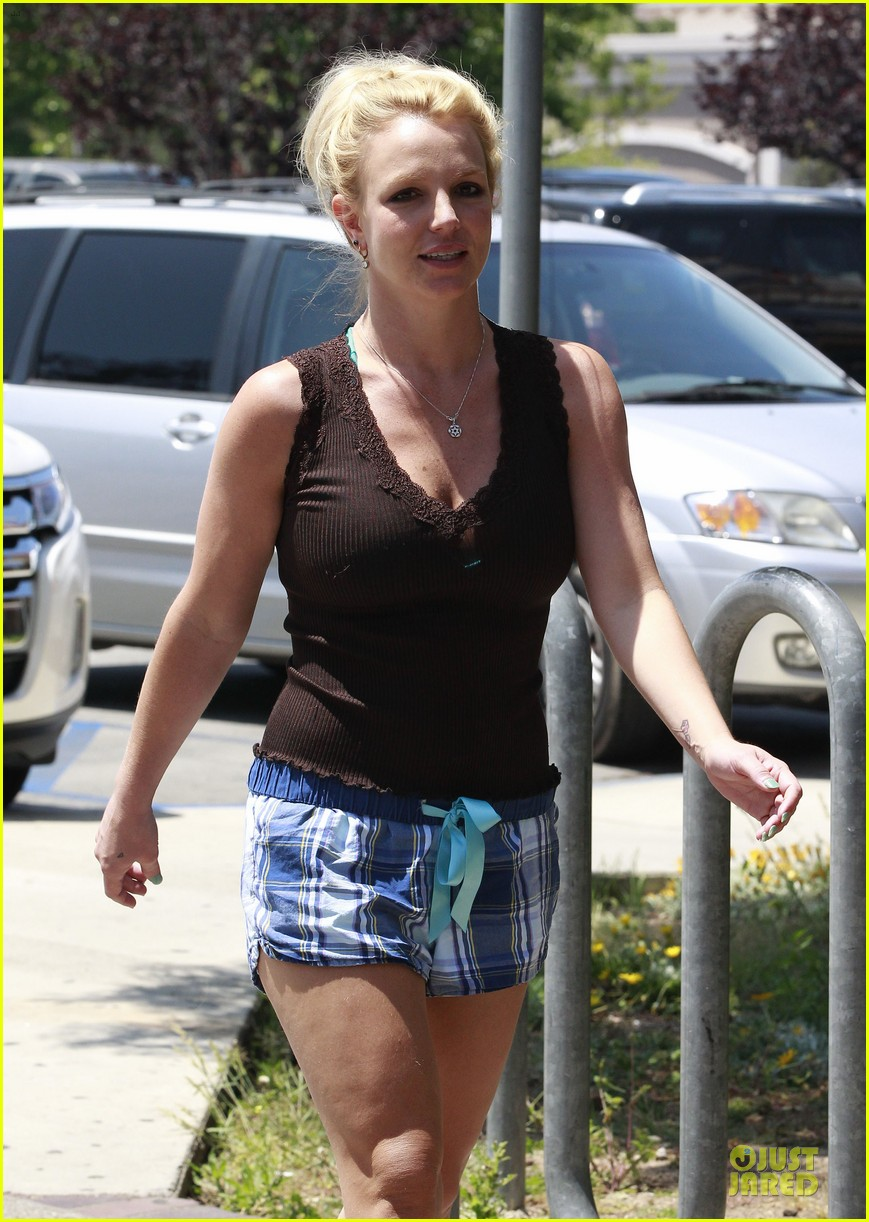 britney spears workout monday mama 152860837