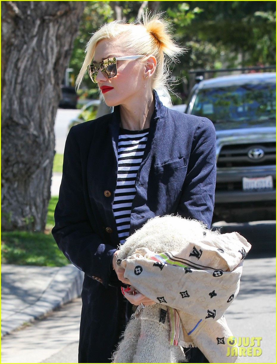 gwen stefani denim day with kingston zuma 13