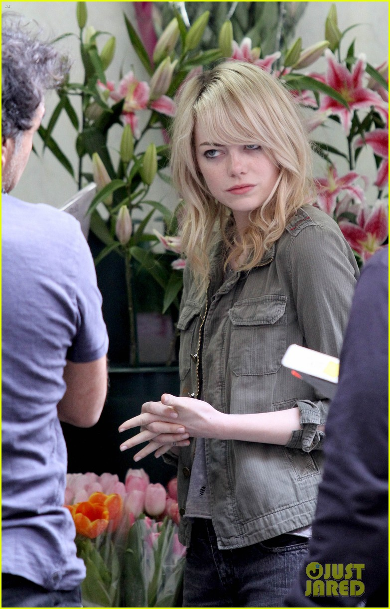 emma stone birdman set in the big apple 04