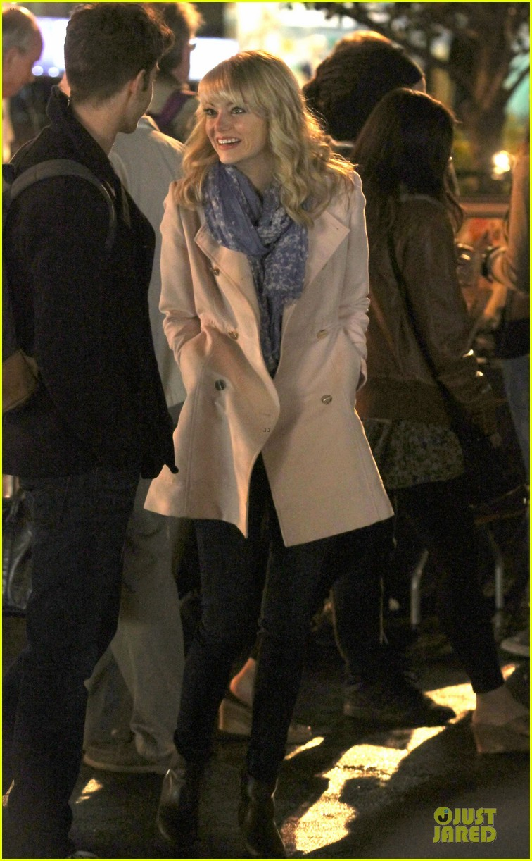 emma stone andrew garfield night scenes on amazing spiderman 2 set 08
