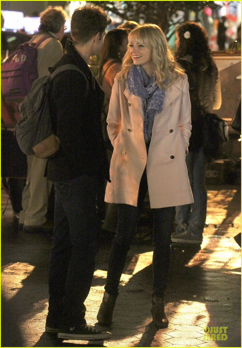 emma stone andrew garfield night scenes on amazing spiderman 2 set 092851756