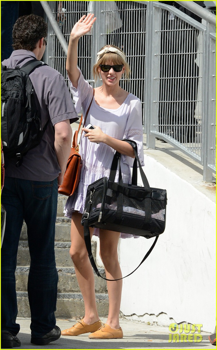 taylor swift miami arrival for red tour 142847132