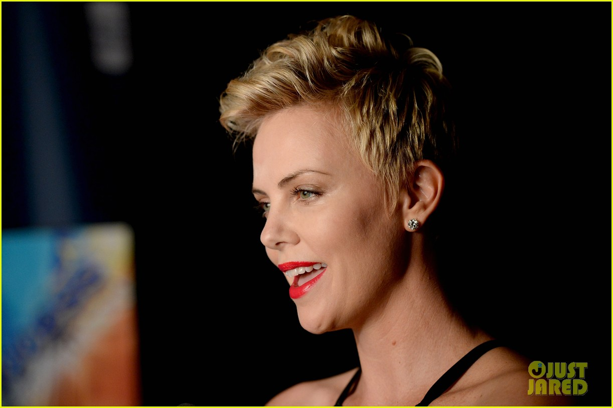 charlize theron glaad media awards 2013 red carpet 07