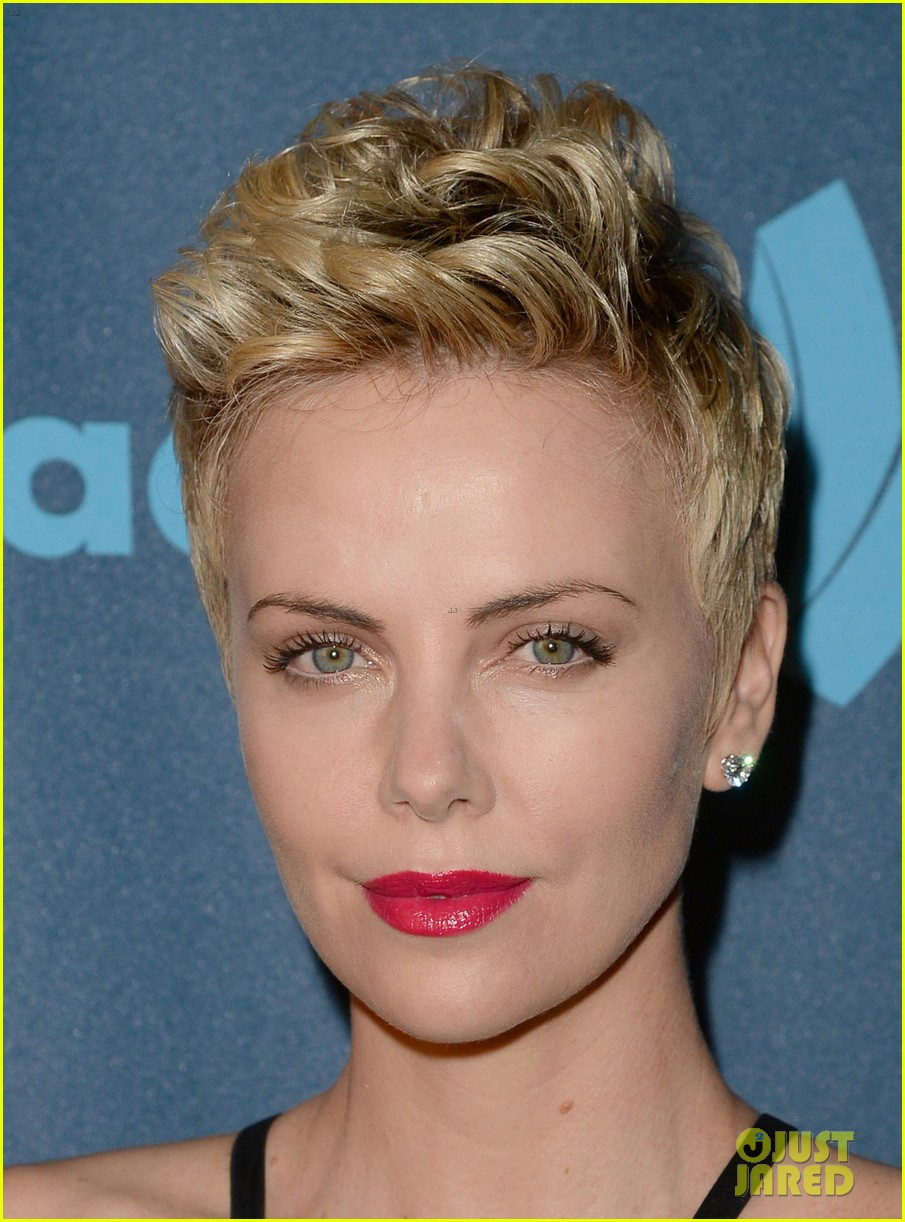charlize theron glaad media awards 2013 red carpet 09