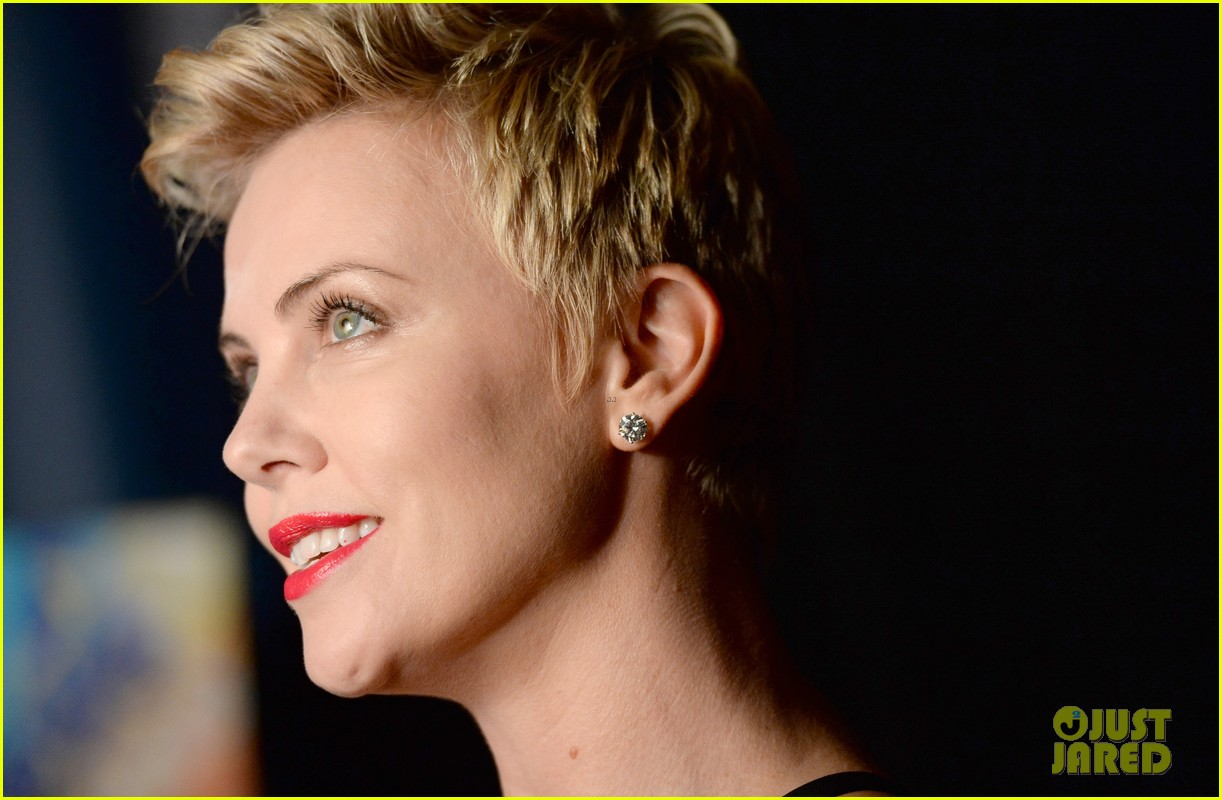 charlize theron glaad media awards 2013 red carpet 102854469