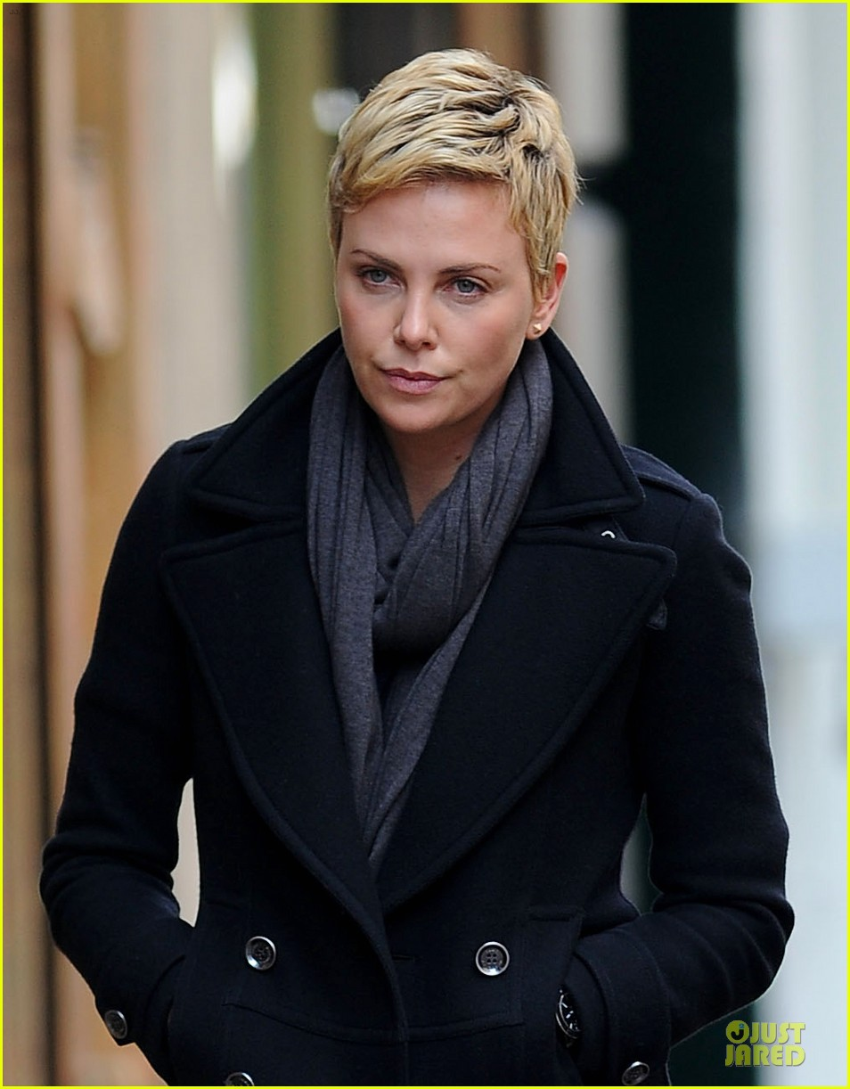 charlize theron union square lunch 04