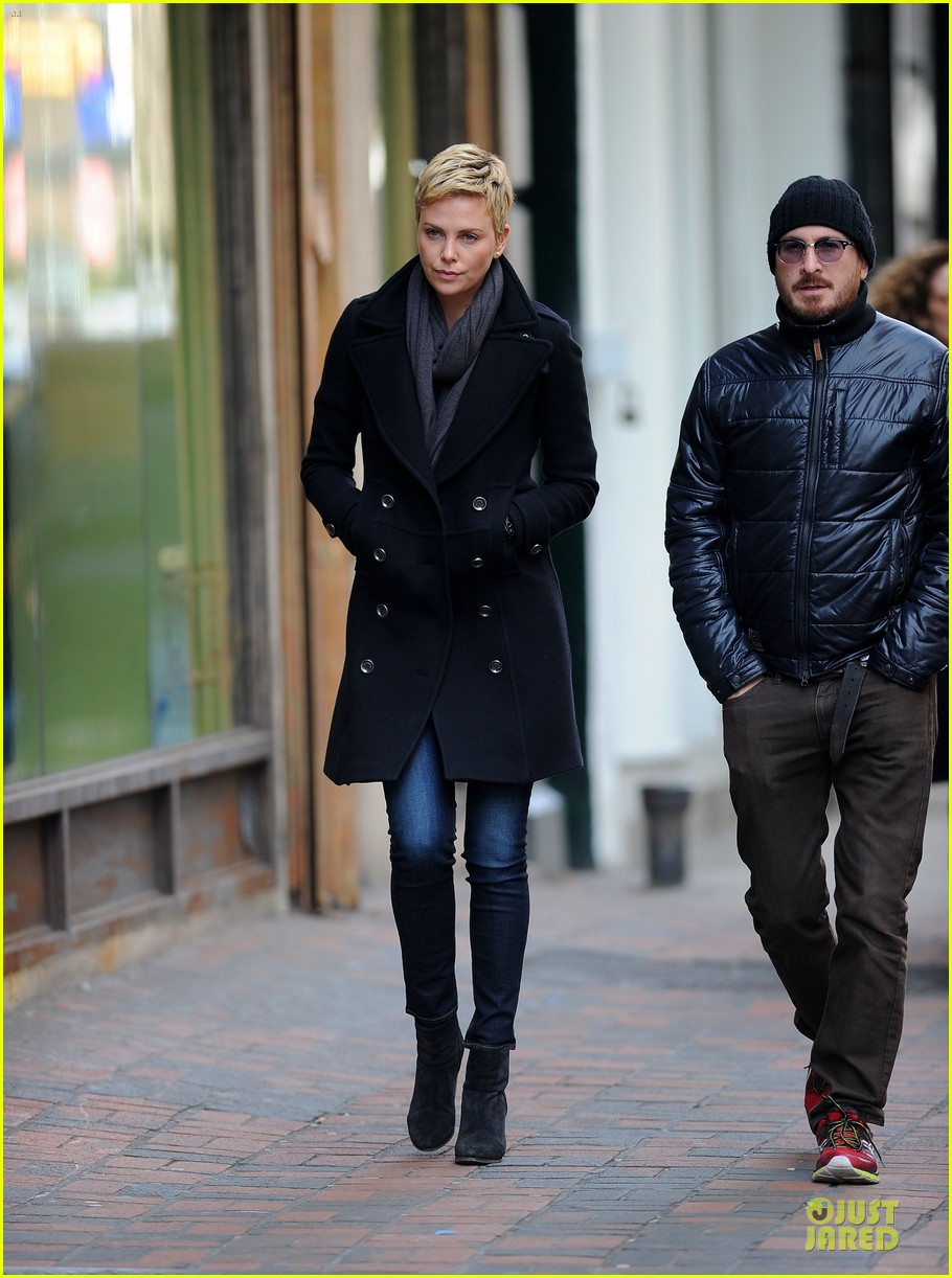 charlize theron union square lunch 05