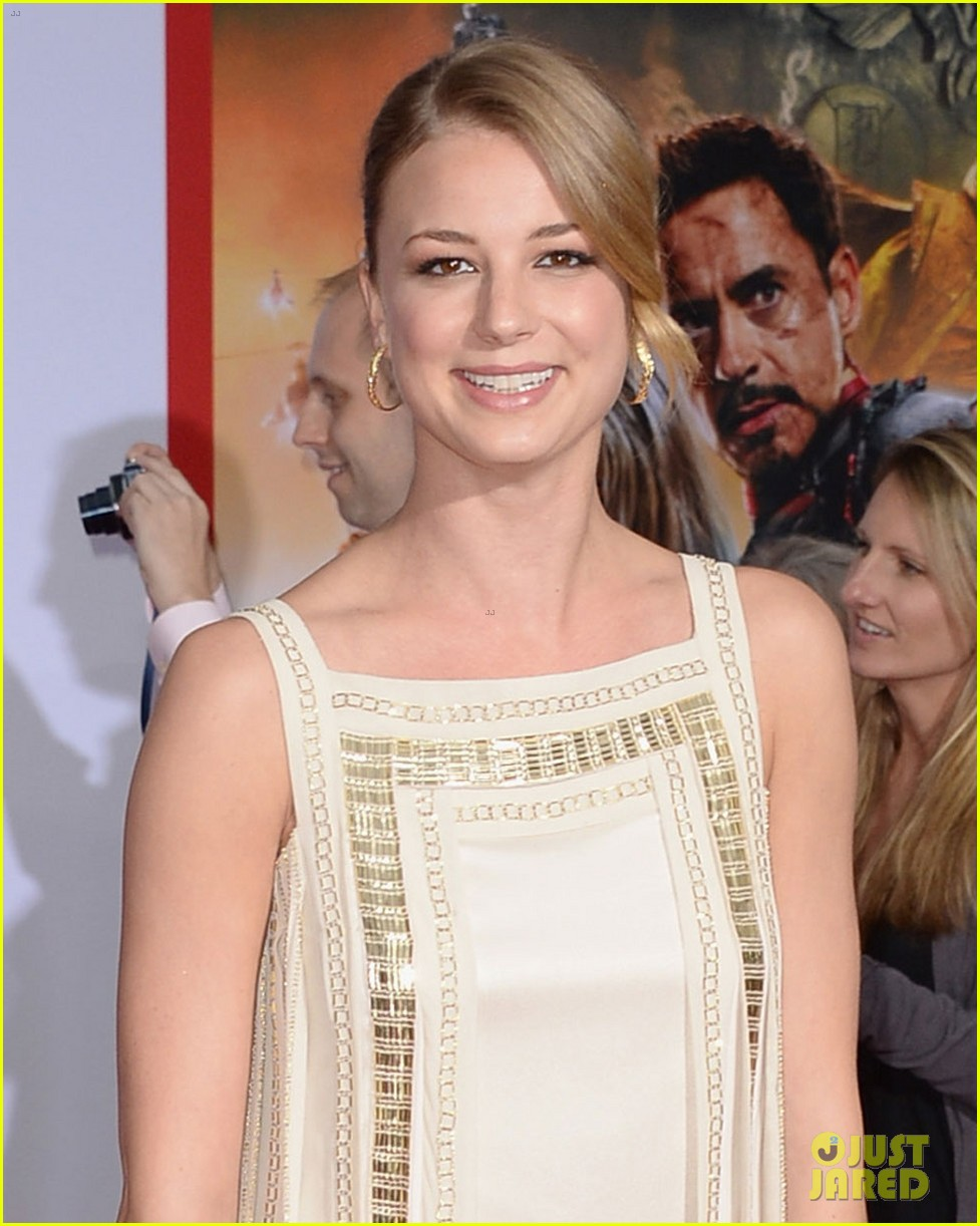 emily vancamp sebastian stan iron man 3 hollywood premiere 14