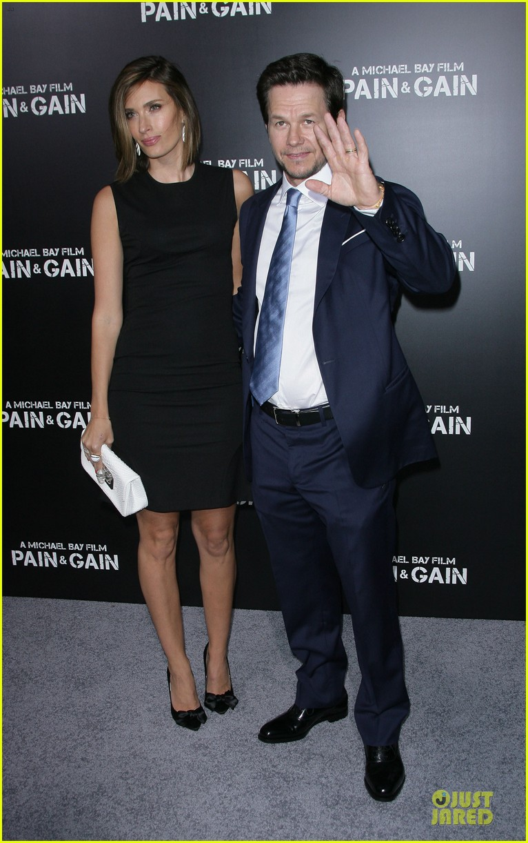 mark wahlberg rhea durham pain gain hollywood premiere 03