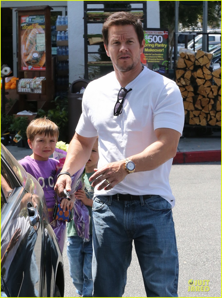 mark wahlberg rhea durham pain gain hollywood premiere 132856214