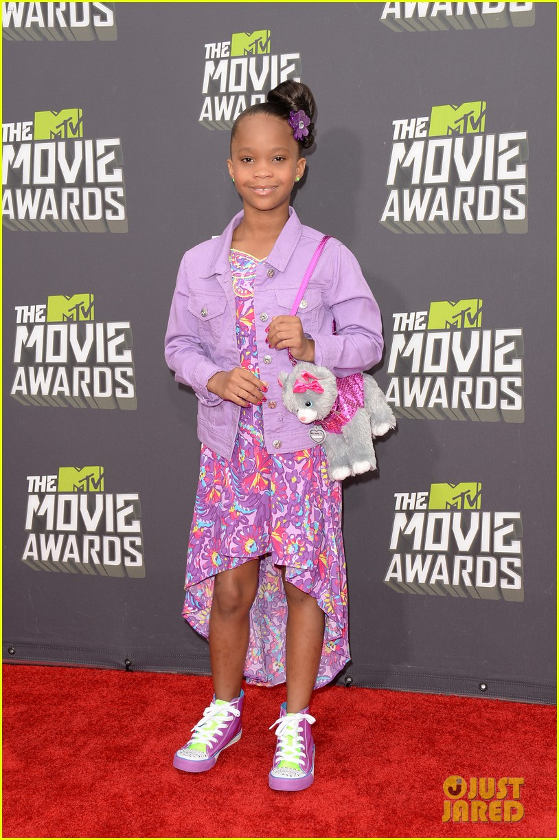 quvenzhane wallis mtv movie awards 2013 red carpet 04
