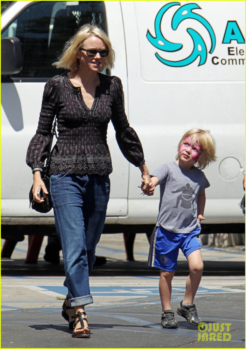Full Sized Photo Of Naomi Watts Golden Blonde After Hair