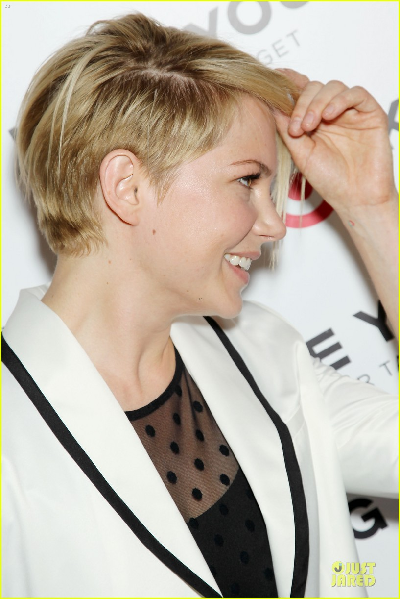 michelle williams haircut debut at kate young for target launch 06