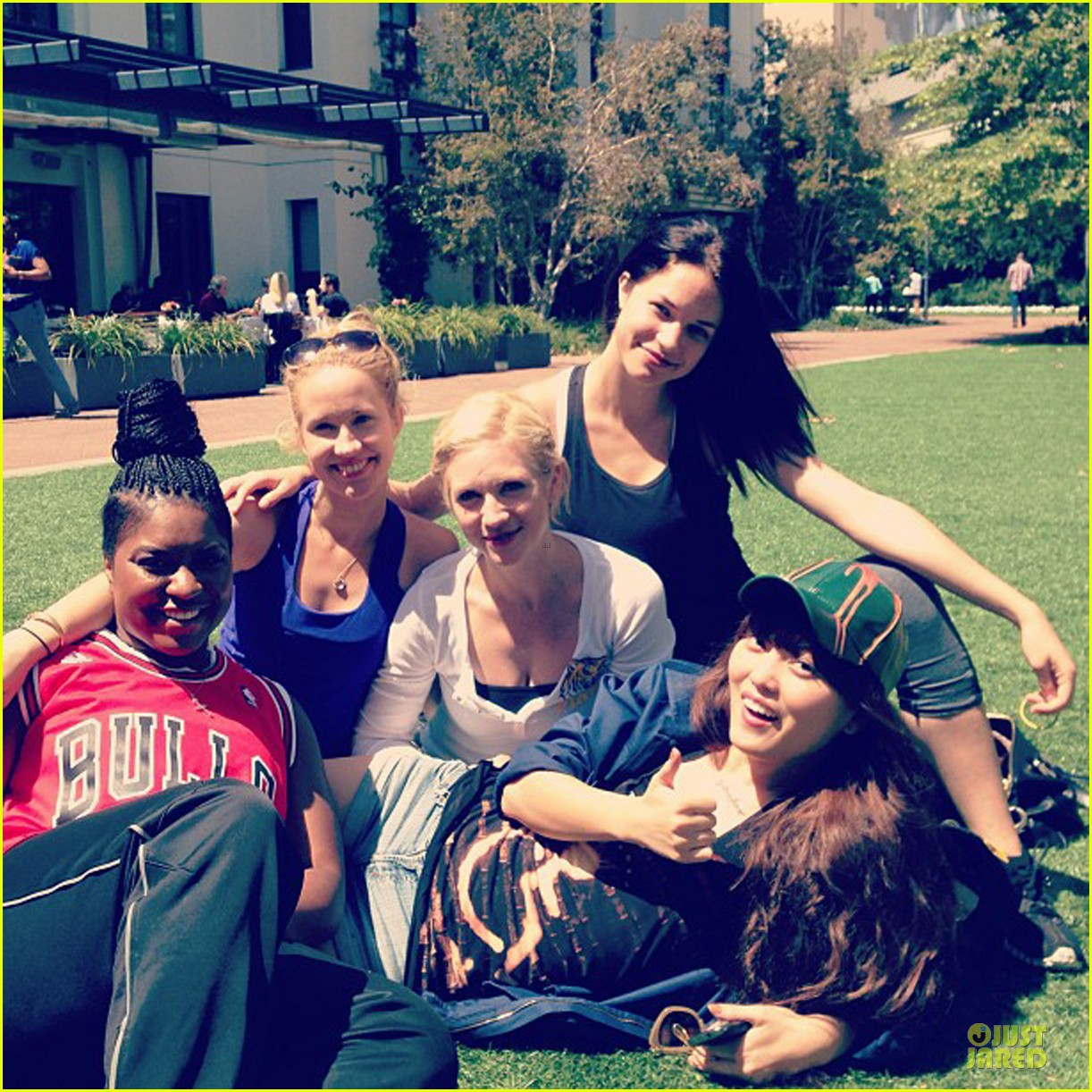 rebel wilson mtv movie awards 2013 rehearsal with pitch perfect cast 012848608