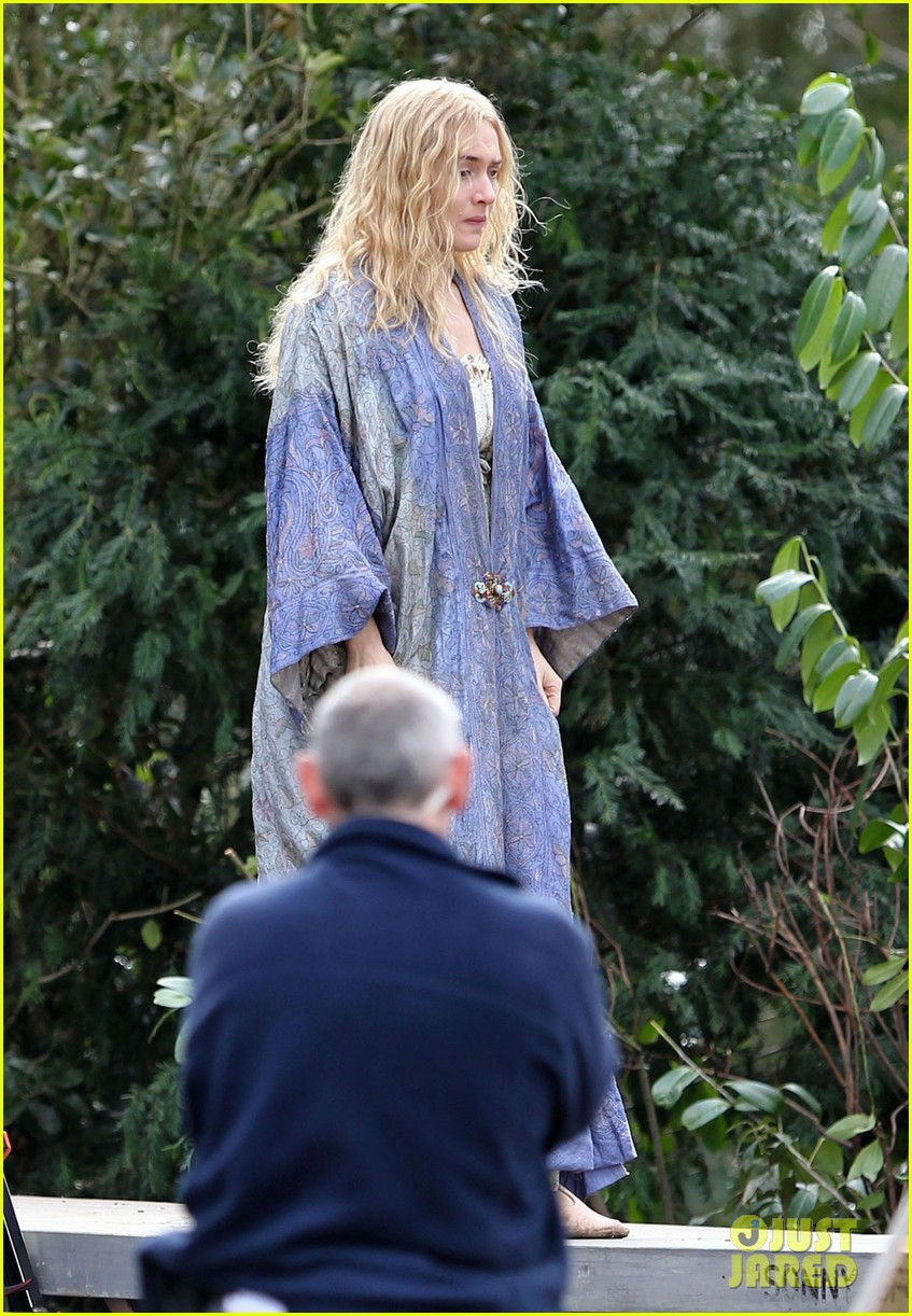 kate winslet a little chaos set with alan rickman 01