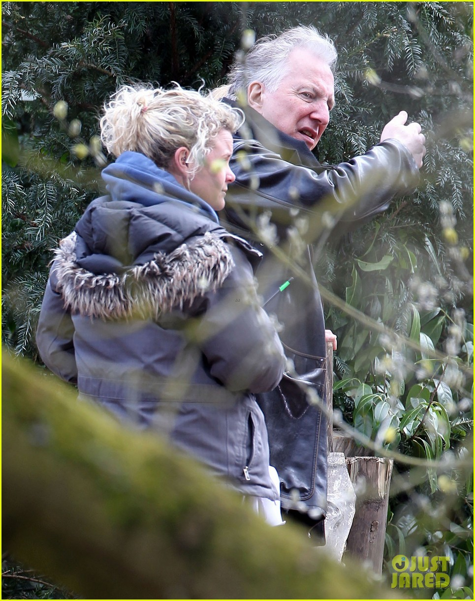 kate winslet a little chaos set with alan rickman 142855641