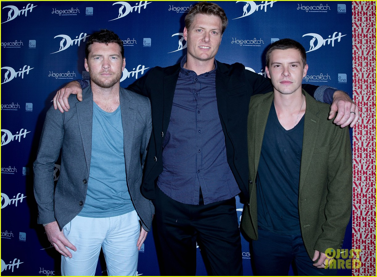 sam worthington xavier samuel drift sydney photo call 07