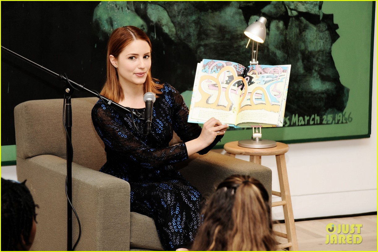 dianna agron jodie foster kids art museum project pals 102865033