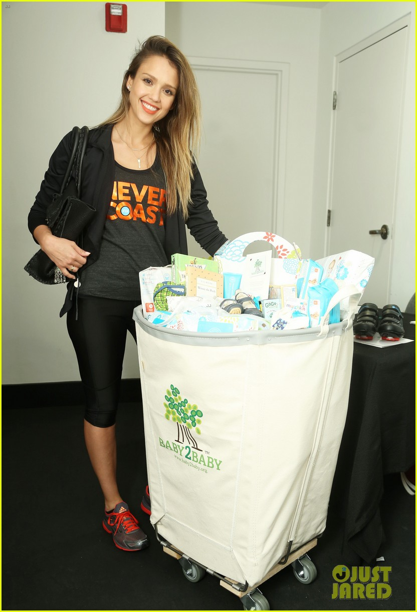 jessica alba cycling fundraiser for baby2baby 02