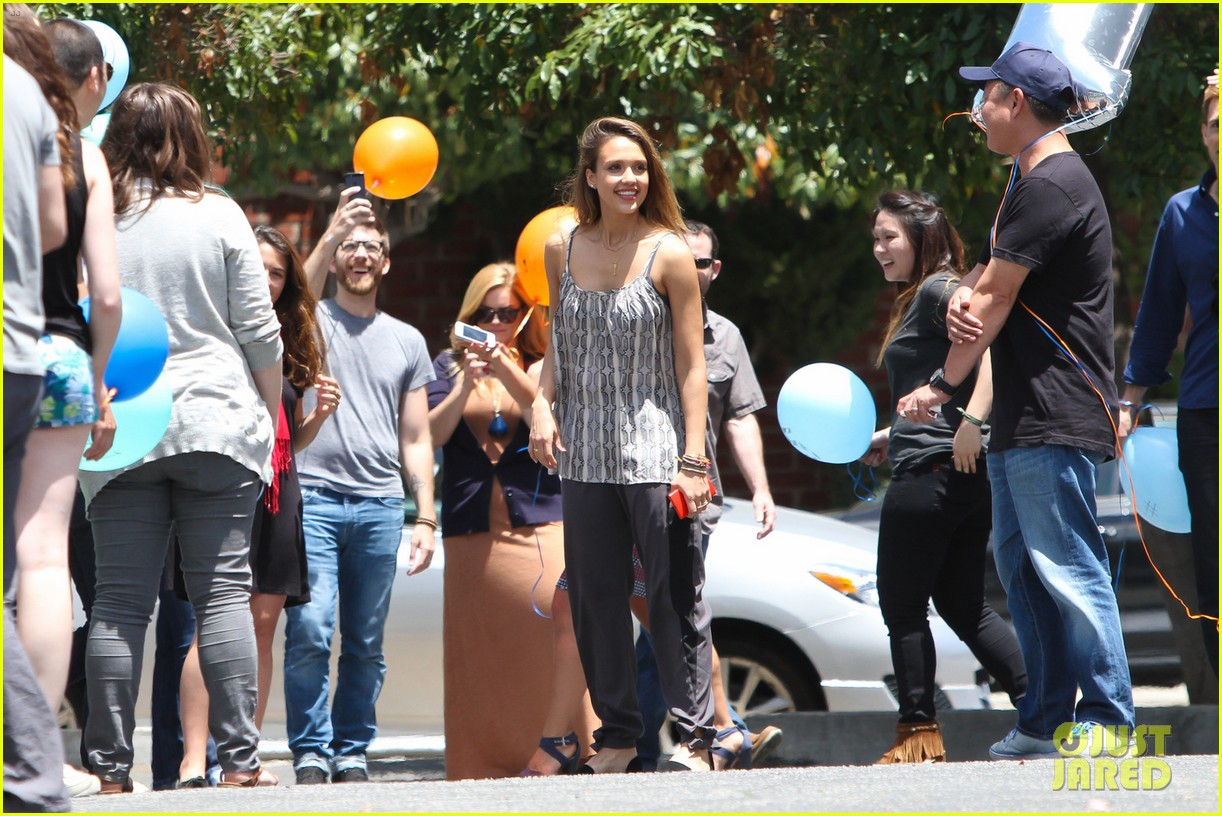 jessica alba cycling fundraiser for baby2baby 22