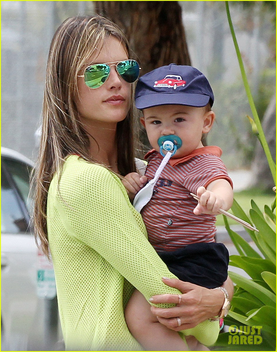 alessandra ambrosio happy early mothers day 042867922