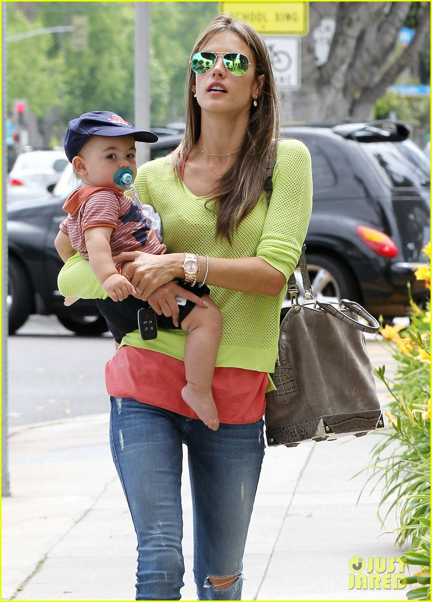alessandra ambrosio happy early mothers day 08