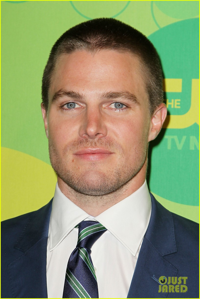 stephen amell colton haynes arrow cw upfront presentation 31