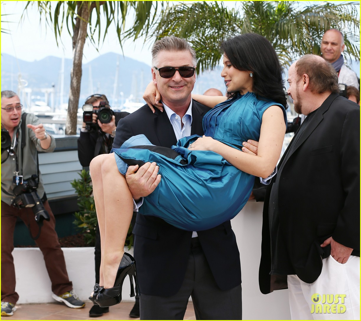 alec hilaria baldwin cannes seduced abandoned photo call 082875352