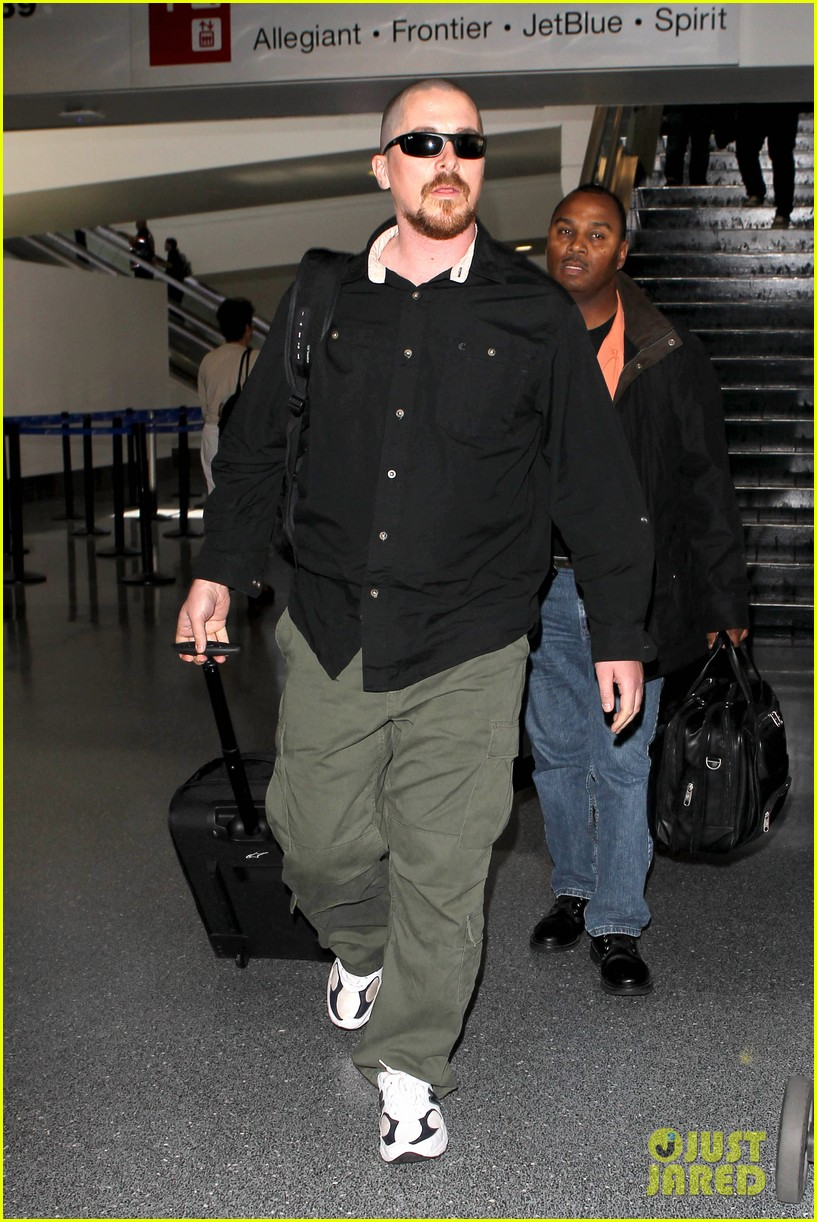 christian bale buzz cut at lax 132874437