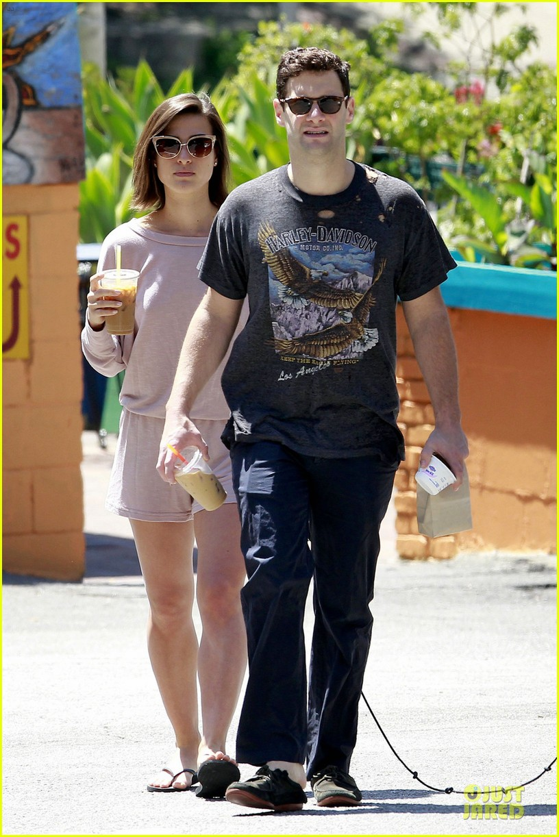 justin bartha lia smith breakfast after engagement 05